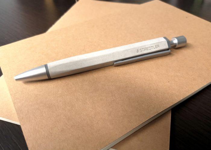 Concrete, il nuovo look per la penna Staedtler
