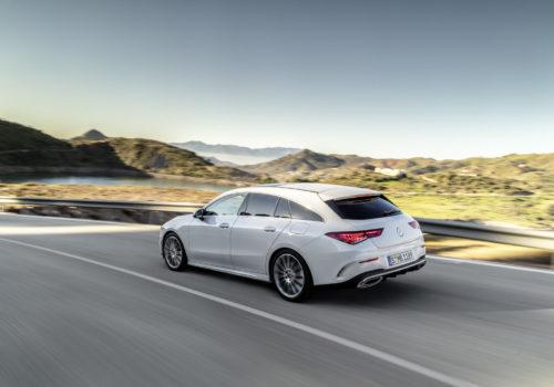 Mercedes-Benz: con CLA il desing è limpido e sportivo