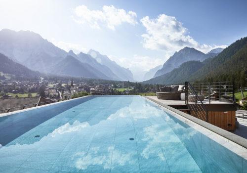 Vacanze in montagna: scopri le più belle piscine outdoor