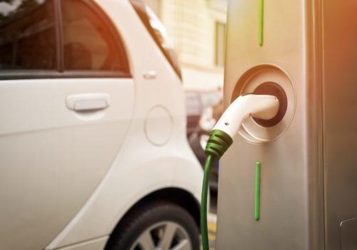 Guida green: 5 consigli per guidare un'auto elettrica