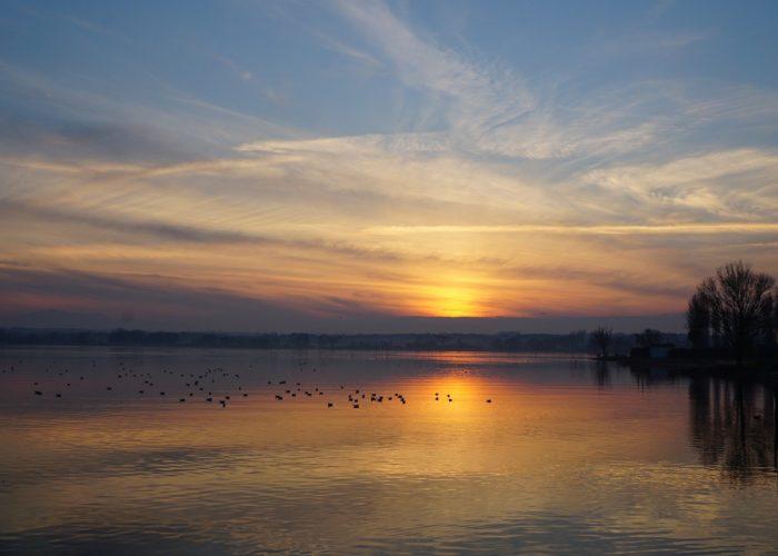 La magia del lago per un weekend di relax autunnale