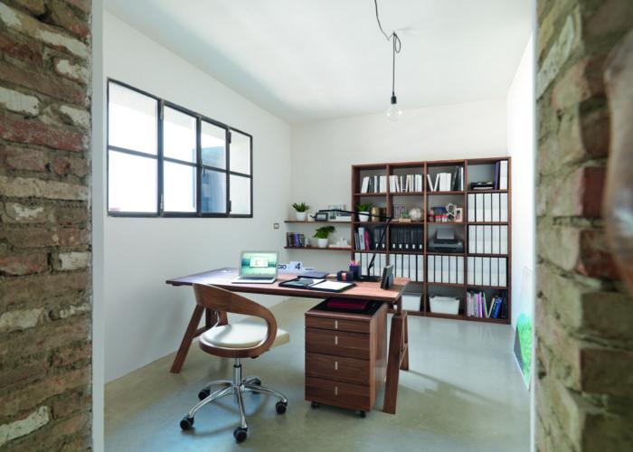 Soluzioni per una scrivania ordinata, per pensare meglio
