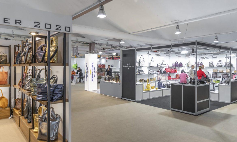 Riva del Garda riparte con borse, accessori e calzature